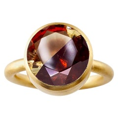 18 Karat Yellow Gold Lemon Quartz and Garnet Two-Stone Modern Cocktail Ring
