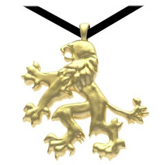 18 Karat Yellow Gold Lion Rampant Pendant Necklace 13/16th inch wide