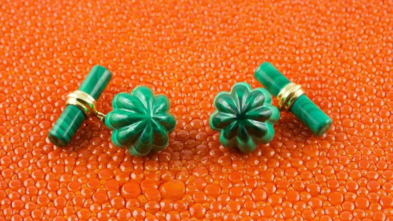 18 Karat Yellow Gold Malachite Flower Cufflinks In New Condition For Sale In Milano, IT