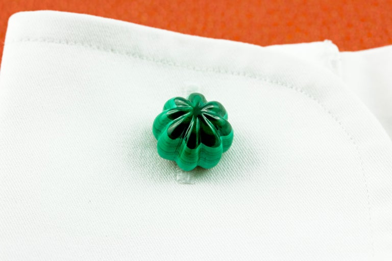 Women's or Men's 18 Karat Yellow Gold Malachite Flower Cufflinks For Sale