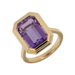 """18 Karat Yellow Gold """"Manhattan Collection"""" 6.70 Carat Amethyst Ring by Goshwara"""