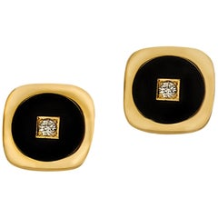 18 Karat Yellow Gold Matte Black Onyx and Diamond Rounded Square Cufflinks