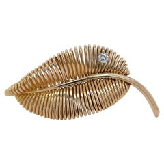 18 Karat Yellow Gold Mauboussin Paris Leaf Pin / Brooch from the 1940