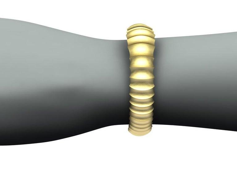 18 Karat Yellow Gold Mens Concave Cuff Bracelet For Sale 3