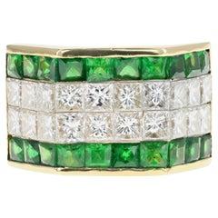 18 Karat Yellow Gold Men's Princess Cut Diamond and Tsavorite Garnet Ring