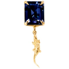 18 Karat Yellow Gold Mesopotamia Contemporary Brooch with Blue Sapphire