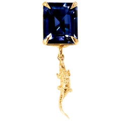 18 Karat Yellow Gold Mesopotamia Contemporary Pendant Necklace with Sapphire