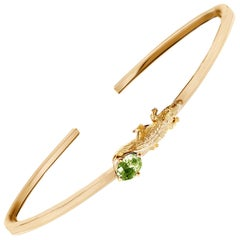 18 Karat Yellow Gold Mesopotamian Bracelet with Green Sapphire