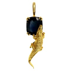 18 Karat Yellow Gold Mesopotamian Pendant Necklace with 4 Cts. Cushion Sapphire
