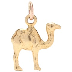 18 Karat Yellow Gold Mini Camel Charm or Pendant