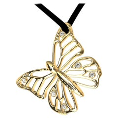 18 Karat Yellow Gold Monarch Butterfly and GIA Diamonds Pendant Necklace