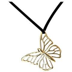 18 Karat Yellow Gold Monarch Butterfly Pendant Necklace