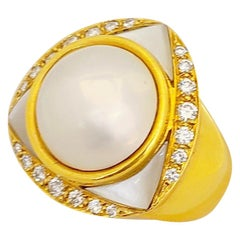 18 Karat Yellow Gold Mother of Pearl and Diamond Ring with Mabe Pearl Center