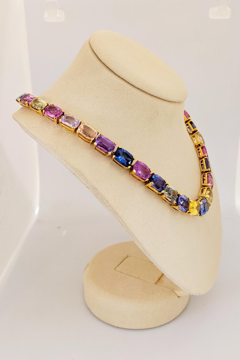 18 Karat Yellow Gold, Natural 144.55 Carat Multicolored Sapphire Necklace In New Condition For Sale In New York, NY