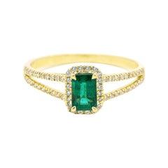 18 Karat Yellow Gold Natural Green Emerald and Diamond Cluster Ring
