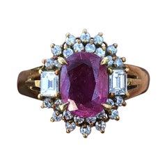 18 Karat Yellow Gold Natural Ruby and Diamond Ring 1.89 Carat 5.1 Grams
