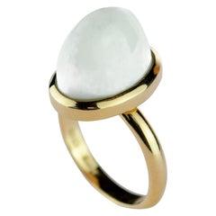 18 Karat Yellow Gold Natural White Agate Stepped Cabochon Artisan Cocktail Ring
