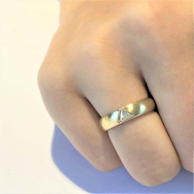 Contemporary 18 Karat Yellow Gold One Triangle Diamond Band For Sale