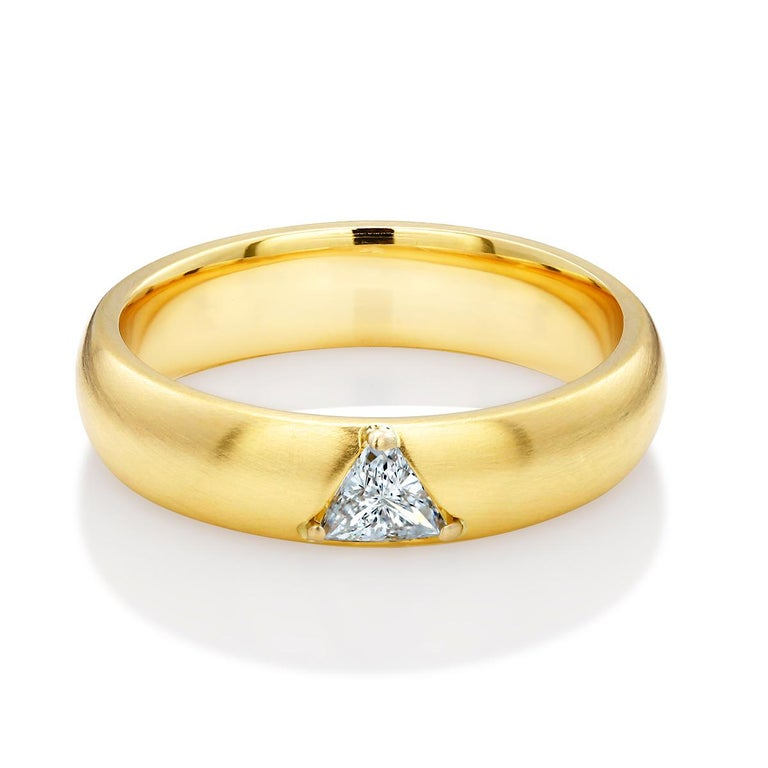 Trillion Cut 18 Karat Yellow Gold One Triangle Diamond Band For Sale