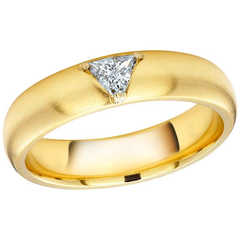 18 Karat Yellow Gold One Triangle Diamond Band For Sale