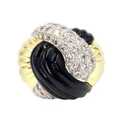 18 Karat Yellow Gold Onyx and Diamond Twist Ring