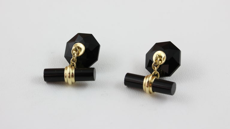 Women's or Men's 18 Karat Yellow Gold Onyx Cabochon Rubies Convex Multifaceted Cufflinks For Sale
