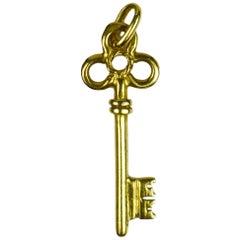 18 Karat Yellow Gold Ornate Key Charm Pendant