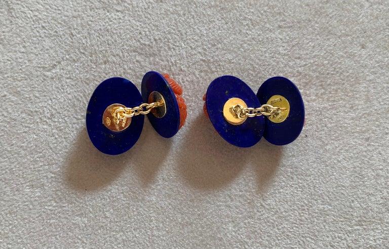 18 Karat Yellow Gold Owl in Mediterranean Coral Lapis Lazuli Diamonds Cufflinks For Sale 1