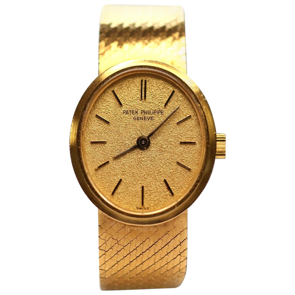 18 Karat Yellow Gold Patek Philippe Ladies Wristwatch