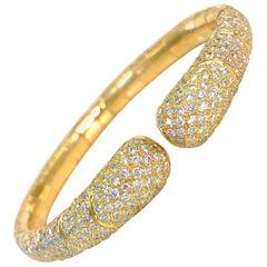 18 Karat Yellow Gold Pave Diamond Bangle Bracelet
