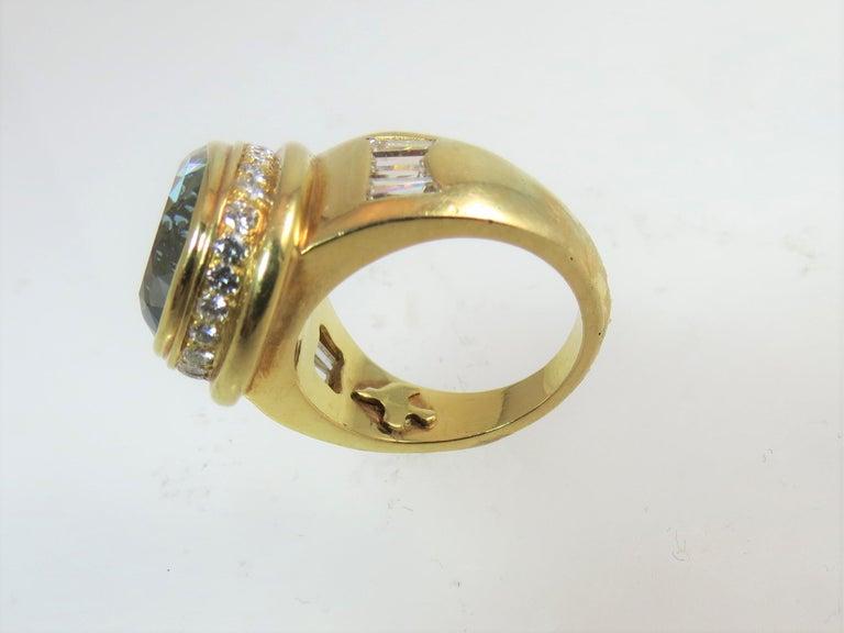 Women's 18 Karat Yellow Gold Pear Shape Aquamarine and Diamond Ring For Sale