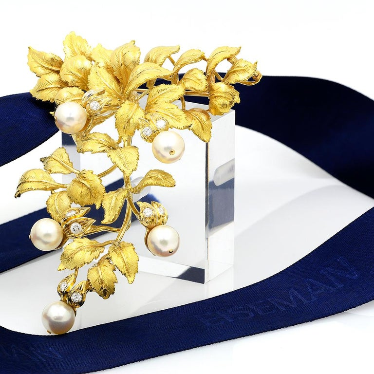 18 Karat Yellow Gold Pearl and Diamond Leaf Brooch For Sale 4