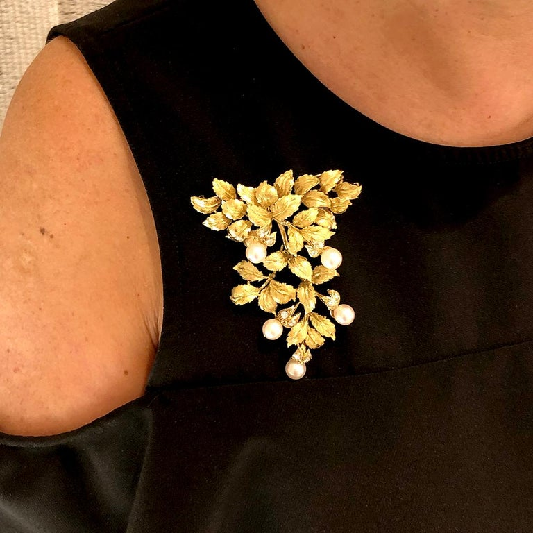 18 Karat Yellow Gold Pearl and Diamond Leaf Brooch For Sale 5
