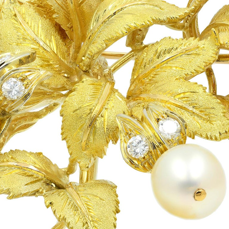 18 Karat Yellow Gold Pearl and Diamond Leaf Brooch For Sale 3