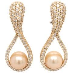 18 Karat Yellow Gold Pearl and Diamonds Pair of Earrings Made in Italy