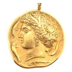 18 Karat Yellow Gold Pendant