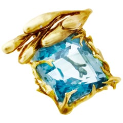 18 Karat Yellow Gold Pendant Necklace with Blue Topaz and Diamonds