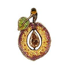 18 Karat Yellow Gold Pendant with 3.08 Carat F.BN-Y. Diamond and Colored Diamond