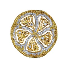 18 Karat Yellow Gold Pendant with Diamonds and Yellow Sapphires