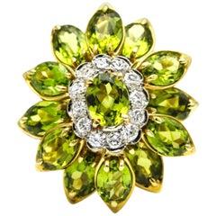18 Karat Yellow Gold Peridot Diamond Cluster Cocktail Ring