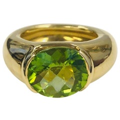 18 Karat Yellow Gold Peridot Ring