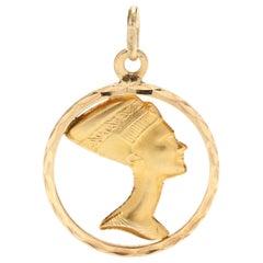 18 Karat Yellow Gold Pharaoh Nefertiti Round Charm / Pendant