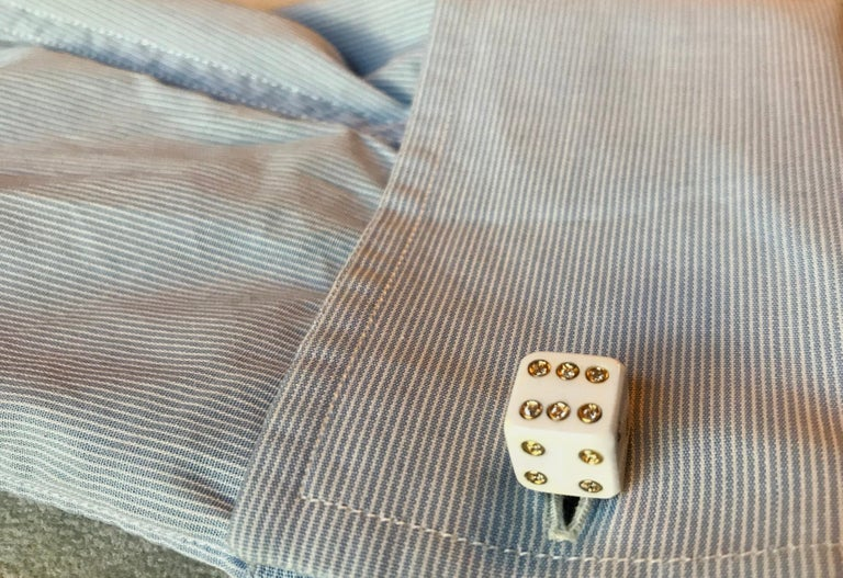 18 Karat Yellow Gold Playing Dice White Agate Diamonds Cufflinks For Sale 4