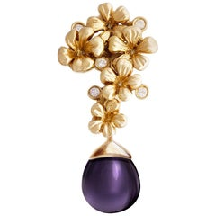 18 Karat Yellow Gold Plum Blossom Brooch 0.15 Carat Diamonds with Amethyst