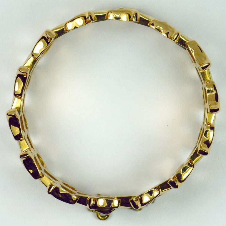 18 Karat Yellow Gold Retro Link Bracelet For Sale 1