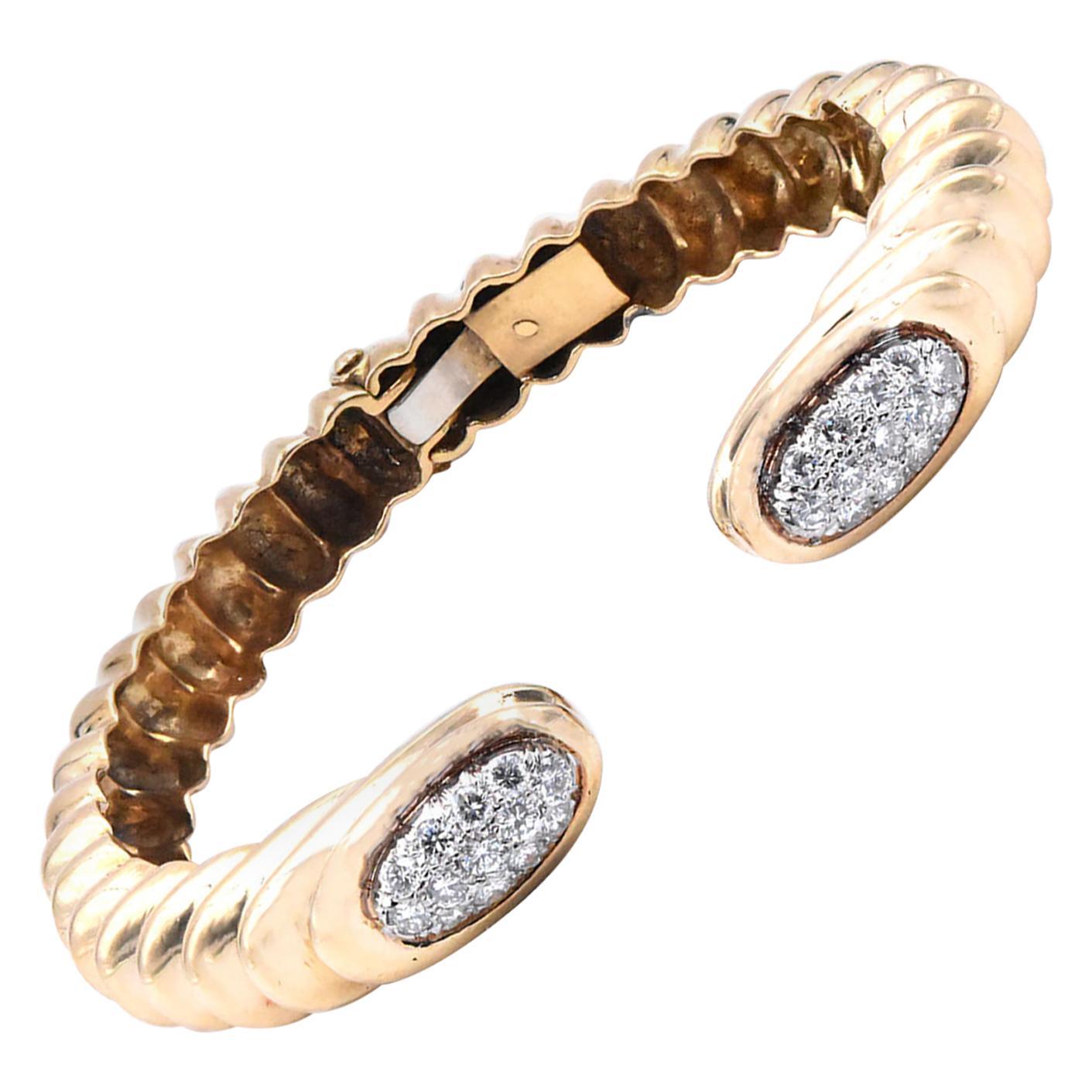 18 Karat Yellow Gold Ribbed Diamond Cuff Bracelet