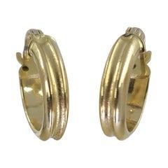 18 Karat Yellow Gold Ridged Huggie Hoop Earrings