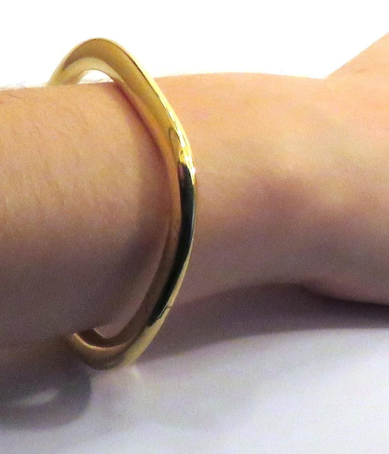 18 Karat Yellow Gold Rigid Cuff Bracelet In New Condition For Sale In Milano, IT