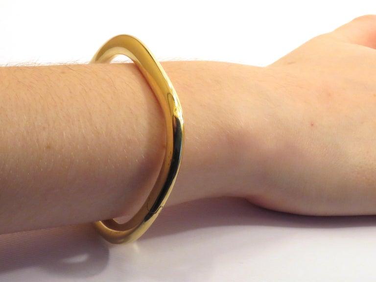 18 Karat Yellow Gold Rigid Cuff Bracelet For Sale 1