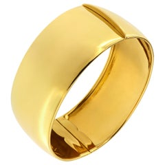 18 Karat Yellow Gold Rigid Cuff Bracelet Handcrafted in Italy